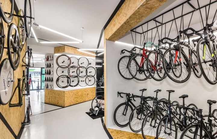 VELO7-Cycle-Shop-by-mode-lina-architekci-Poznan-Poland12