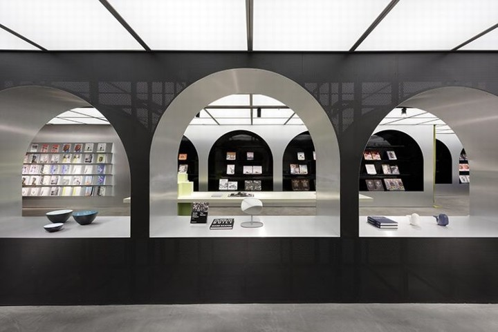 Harbook-store-by-Alberto-Caiola-07-780x521