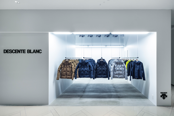 DESCENTE-BLANC-store-by-Schemata-01-720x480